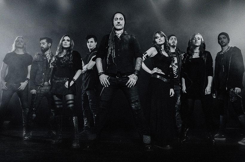 Eluveitie Bandfoto Bühne schwarz grau Nebel