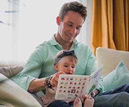 Fabio Zerzuben mit Frieda Hodel und Baby