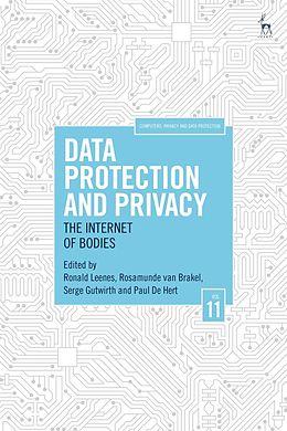 Cover: https://exlibris.azureedge.net/covers/9781/5099/2621/3/9781509926213xl.jpg