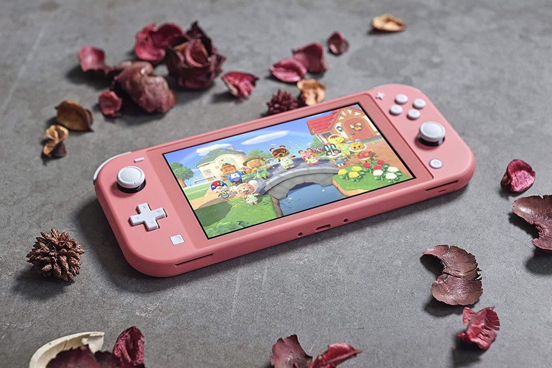 Nintendo Switch Lite Console - coralle [NSW Lite] (D/F/I)
